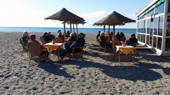 Camping Playa De Poniente En Motril Granada Información Y Reservas Playa Bungalows Bungalow