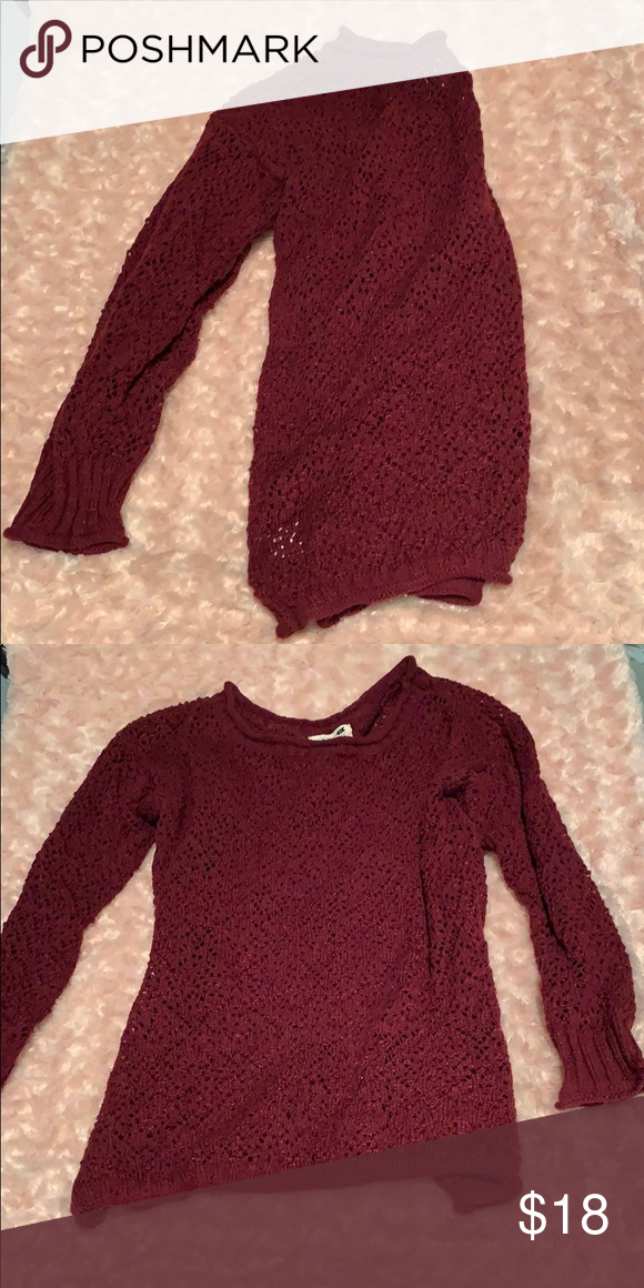 Maroon sweater from Pacsun Maroon, light weight sweater from