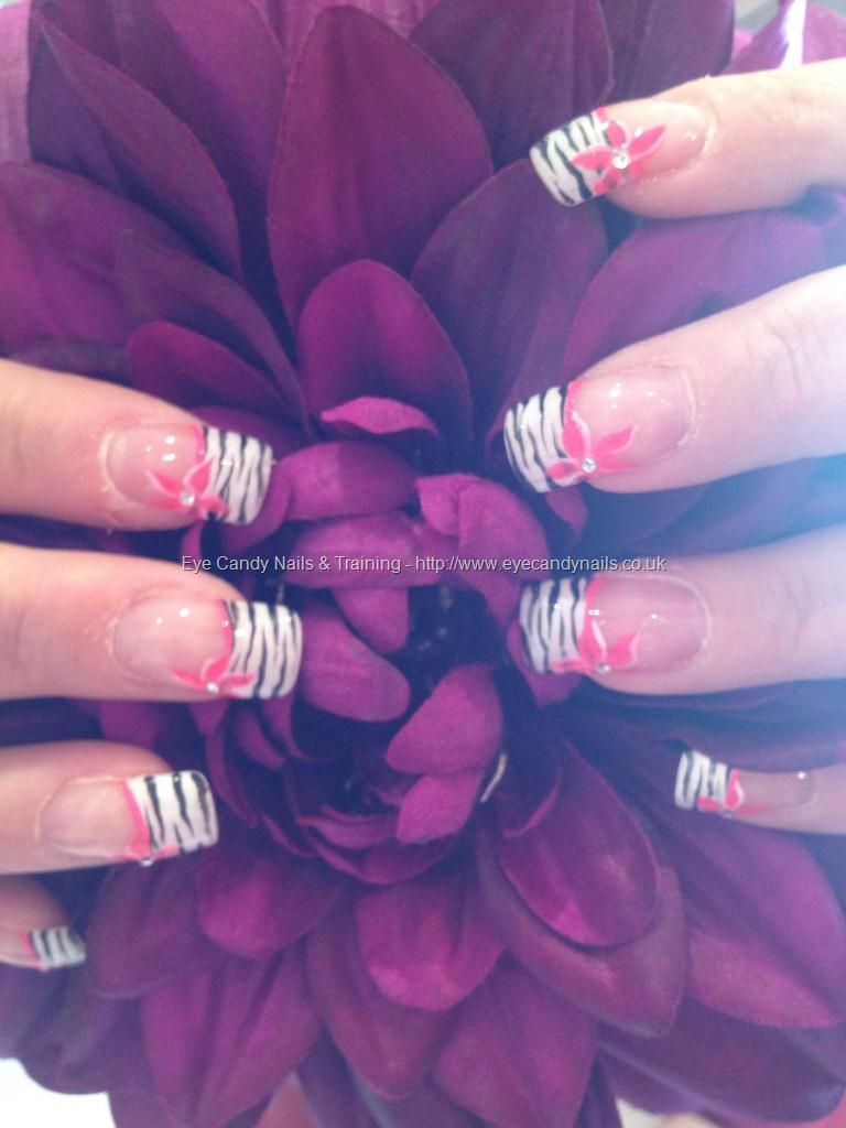 Freehand nail art Taken at:6/26/2012 11:28:32 AM Uploaded at:6/26 ...