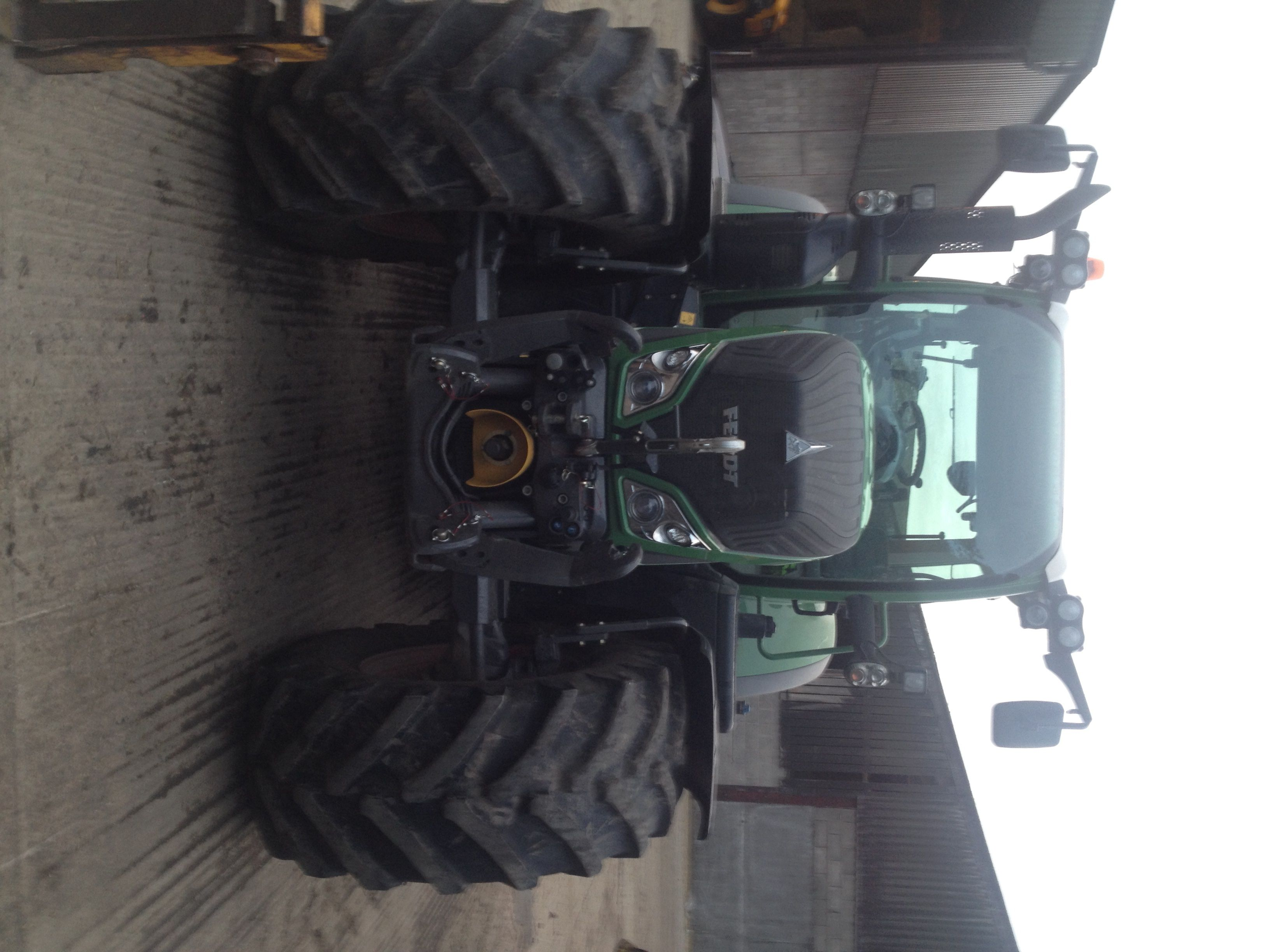 Early Friday morning this Fendt tractor was fitted with a Tunit Adavantage II at the customers property.  BHP from 200 - 237   Torque from 662 lbs/ft – 804 lbs/ft  Fitted in less than an hour  Message us for a Tunit dealer near you  01257 274100 info@tunit.com www.tunit.com for more details