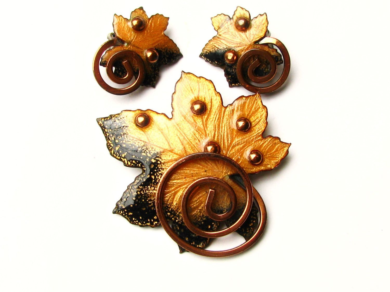 Vintage Black and Gold Leaf Brooch and Earring Set