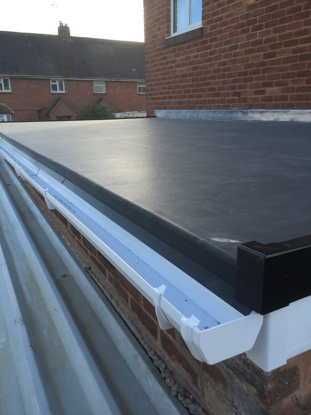 Rubber Flat Roof Cost In 2020 Rubber Flat Roof Flat Roof Roof Cost