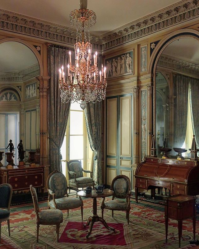 Frenchinterior Design Ideas: Find Yourself In Rooms Full Of History & Beauty. Where