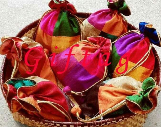 Mehndi/ indian wedding party bags/favours | Decorations | Pinterest ...