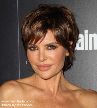 Lisa Rinna | Modern pixie haircut for a 50 years old lady ...