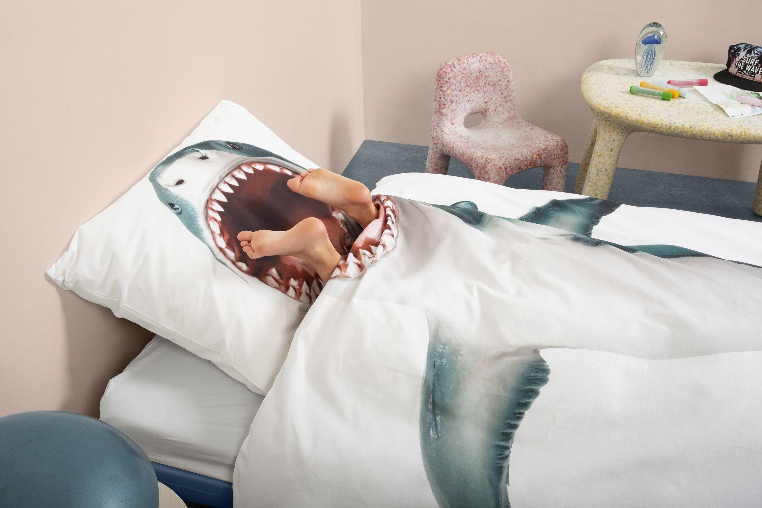 Durf jij onder dit Snurk Dekbedovertrek in thema Shark te