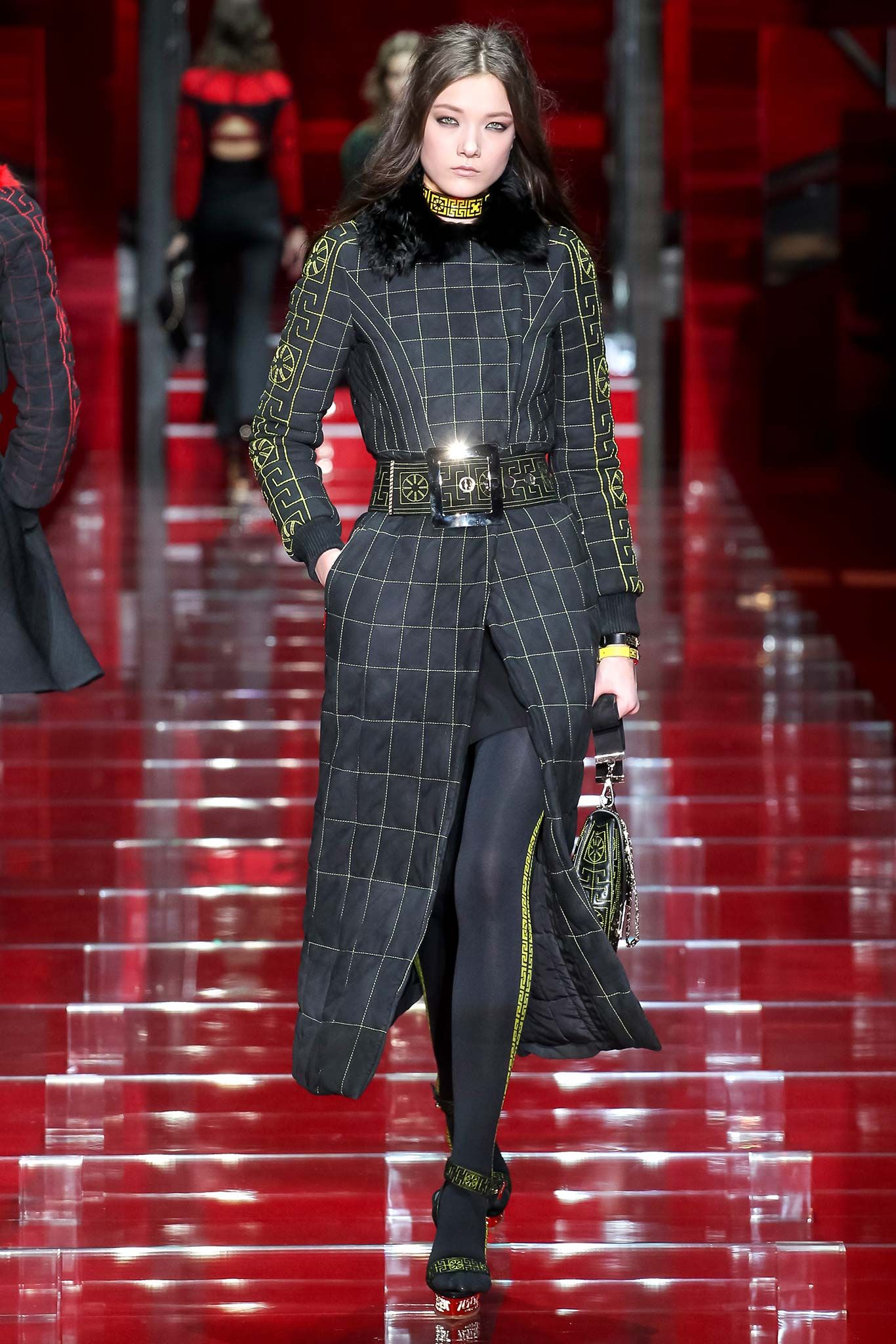 Versace - Fall 2015 Ready-to-Wear - Look 15 of 53