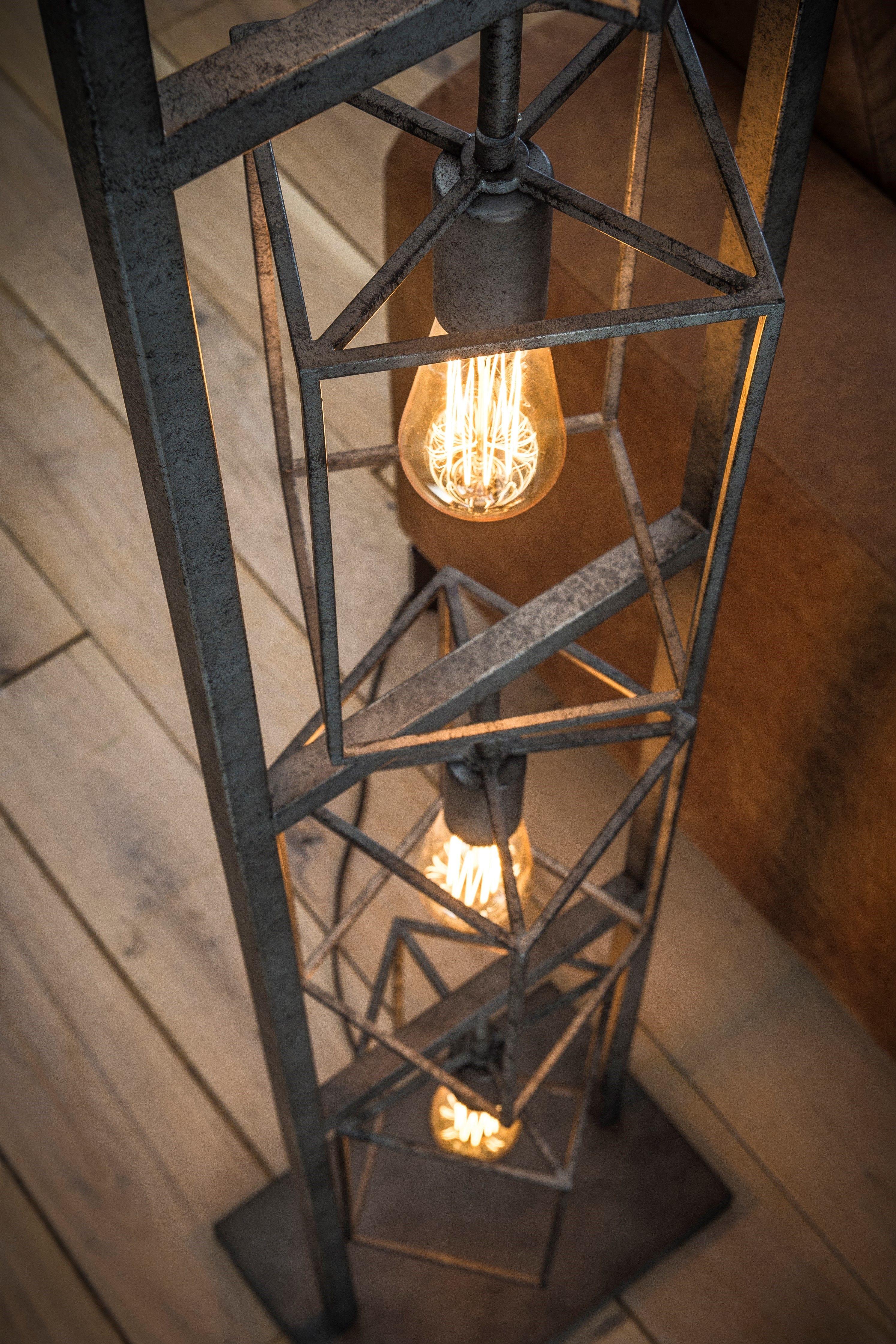 Stehlampe Kube | Stehlampe, Lampe, Industrie stil lampen