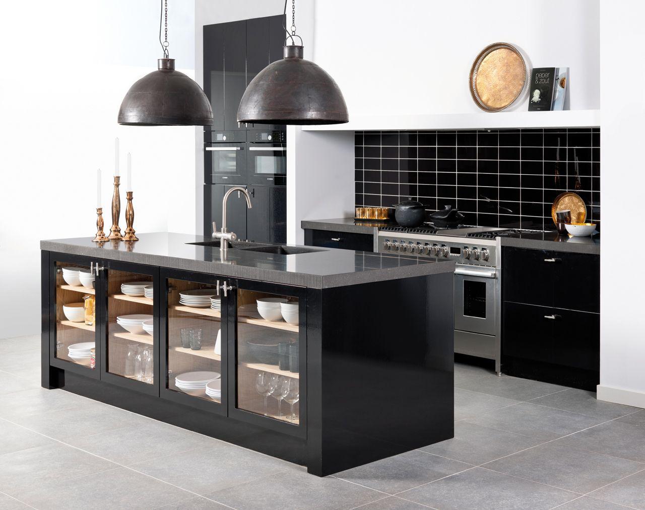 Grando keukens model porzio keukens kookeilanden gespot door