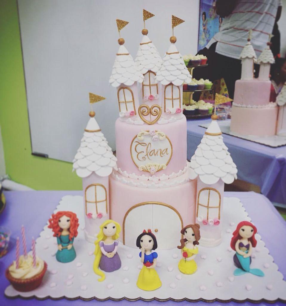A Castle Cake For A Darling Princess Happy Birthday My Dear Elana