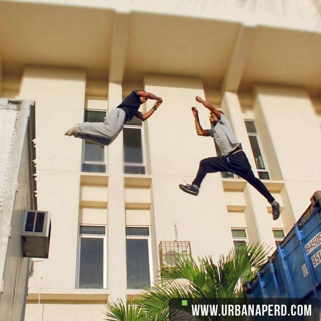 Jump! cada momento es increíble. | Arlin Vasquez y Frandy Marte Miembros Oficiales de la familia Urbanape.  Urbanape Dominicana © 2014