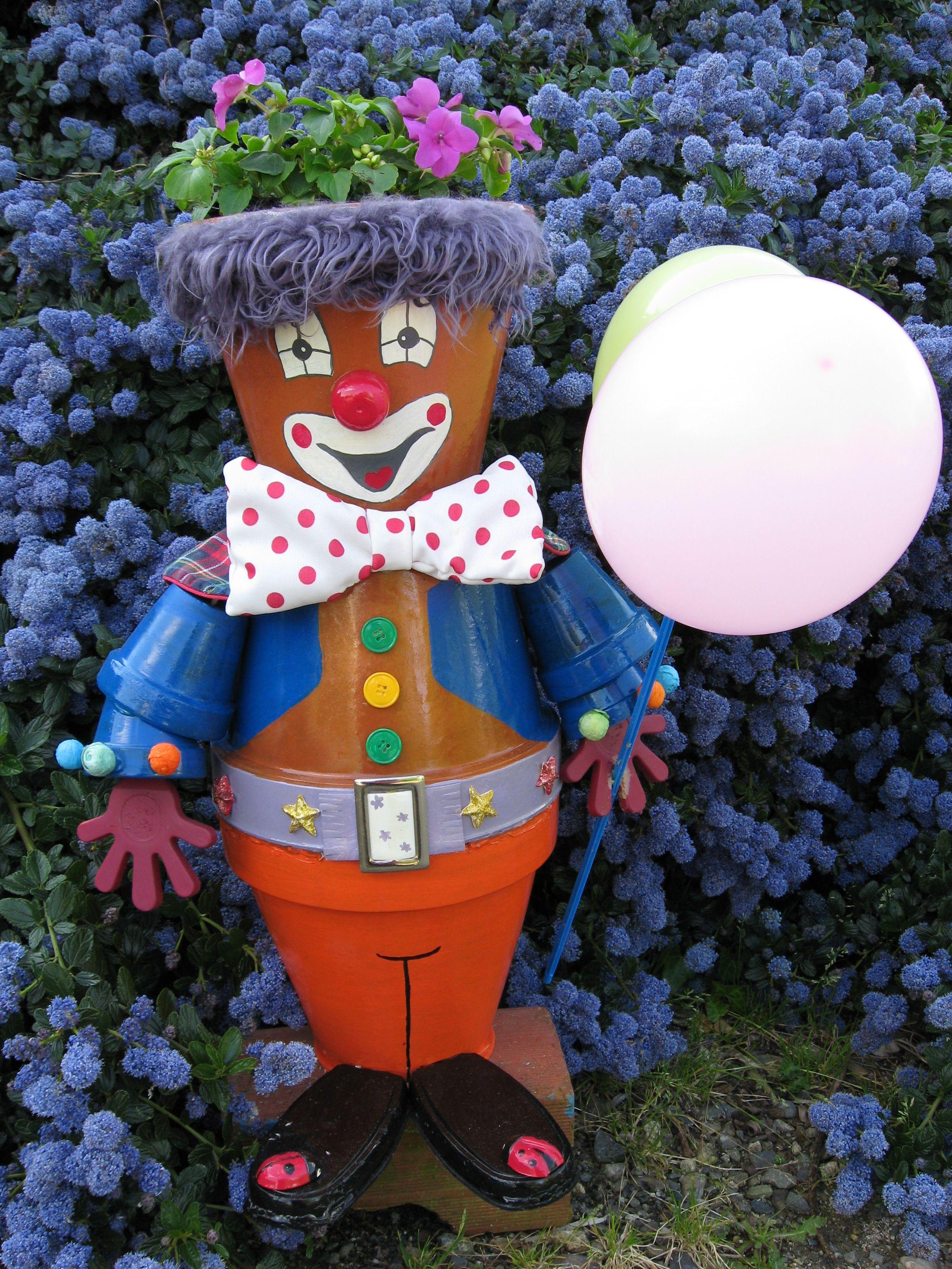 Un clown en pot de terre terra cotta pots pinterest clay clay pot people and terra cotta - Nouveaux personnages en pots de terre cuite ...