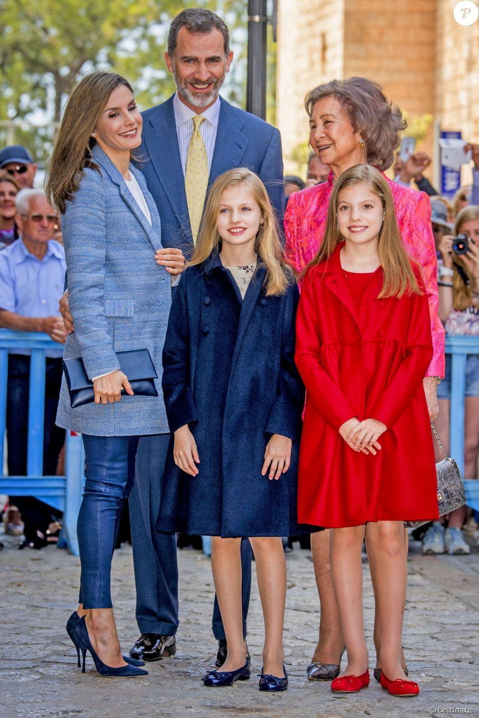 Roi Et Reine D Espagne : reine, espagne, PHOTOS, Felipe, D'Espagne, épouse, Reine, Letizia,, Leurs, Filles, Princesses, Leonor, Sofia, Assisté, Messe, Pâqu…