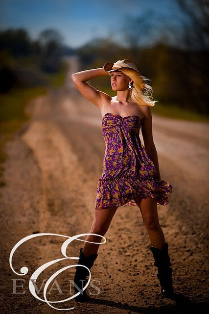 Senior Picture Ideas For Girls Outside | Senior Picture ...