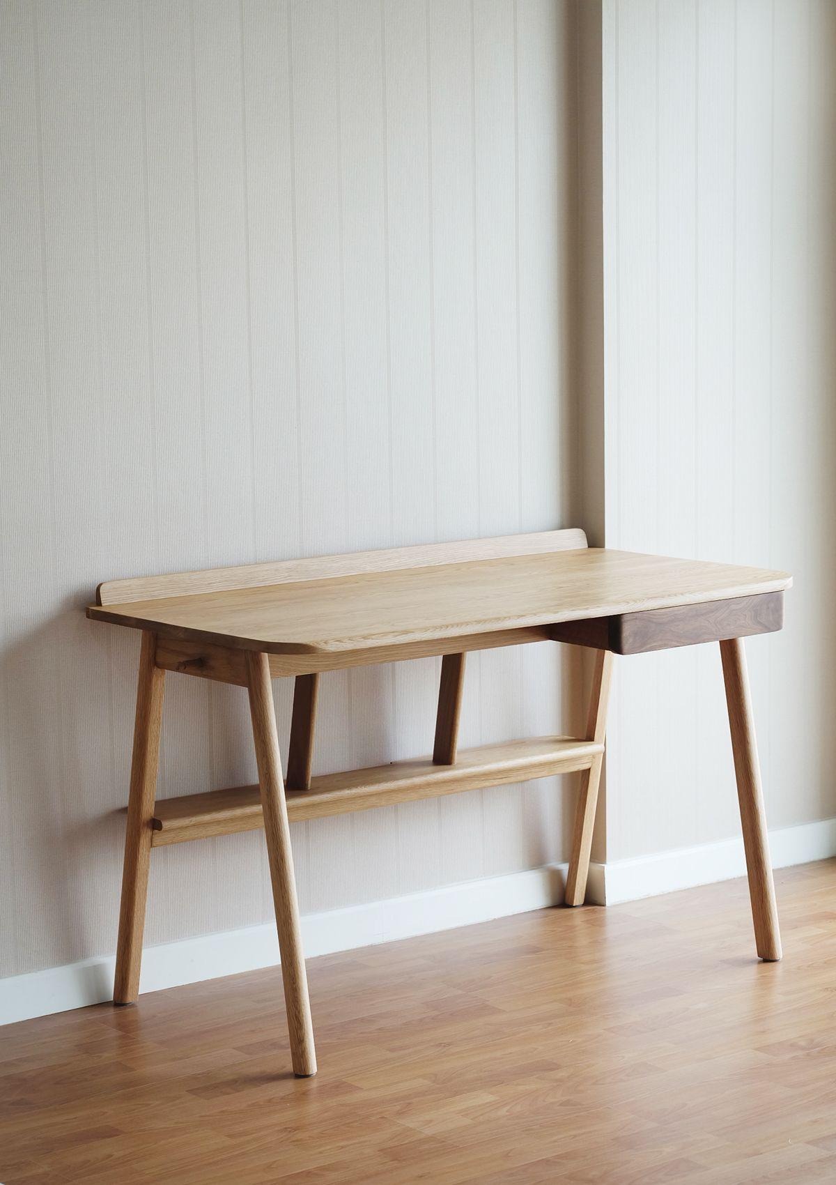 kitt desk furniture minimalist desk wood desk table furniture rh pinterest com