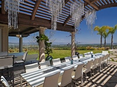 Los Angeles Event Venue 1000 A Night Would Be Great Locale For Large Dinner Party Or Tail Reception Pool Elegant Long Tables With Built In