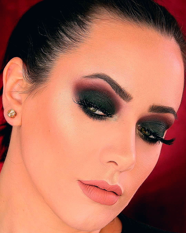 Photo of Stunning Glam Smokey Eye