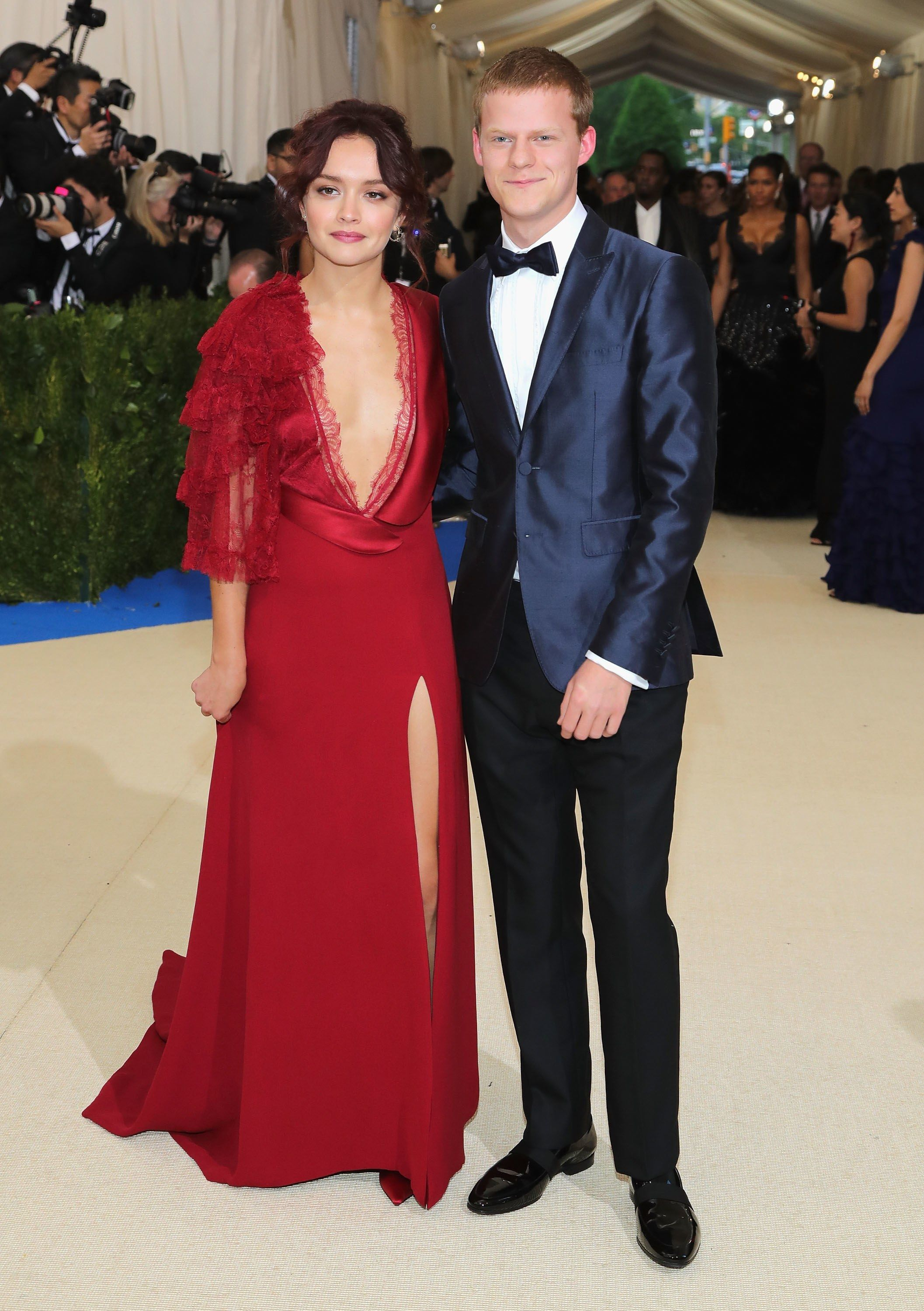 Met Gala 2017 Red Carpet Live All The Celebrity Dresses And Fashion Met Gala Outfits Met Gala Themes Met Gala