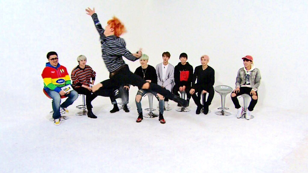 Picture] BTS at MBC Weekly IDOL [151214] | btsdiary | 방탄