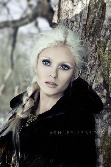 Model: Rae Weisz  Photographer: Ashley Lebedev