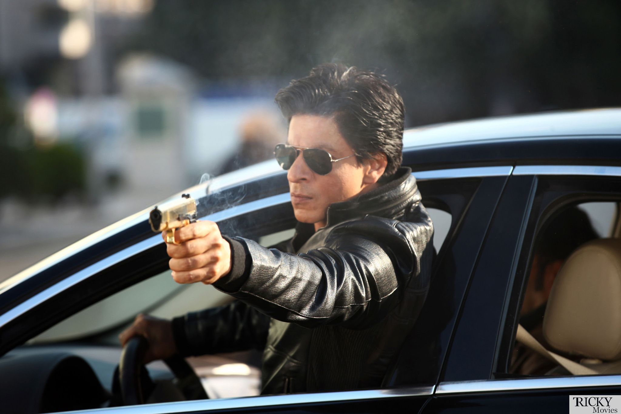 Srk s action scene from dilwale movie dilwale 2015 full movie online http