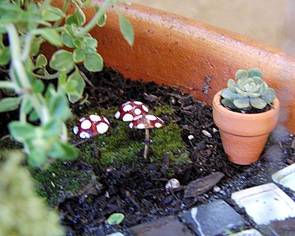 Gnome Garden: DIY Mushrooms For Fairy Garden