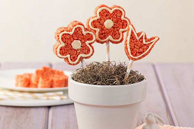 The most delicious flowers you can make for mom - RICE KRISPIES TREATS® Flowers