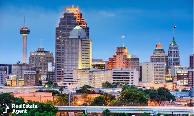 The City Of San Antonio Texas San Antonio Skyline Visit San
