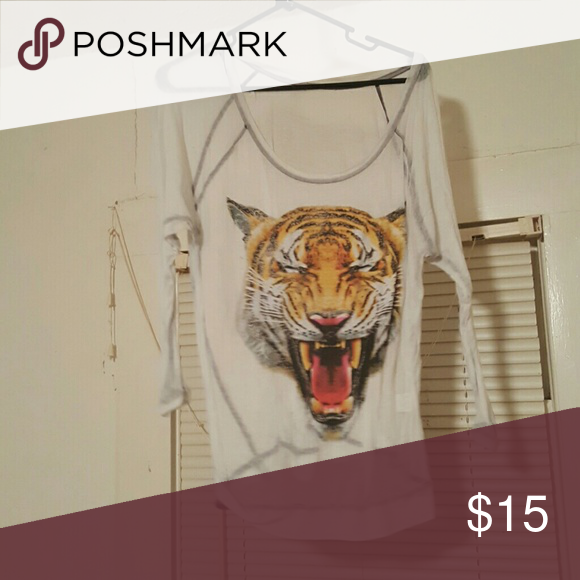 Tiger T Sheer tiger Tshirt minor fadding Aeropostale Tops Tees - Long Sleeve