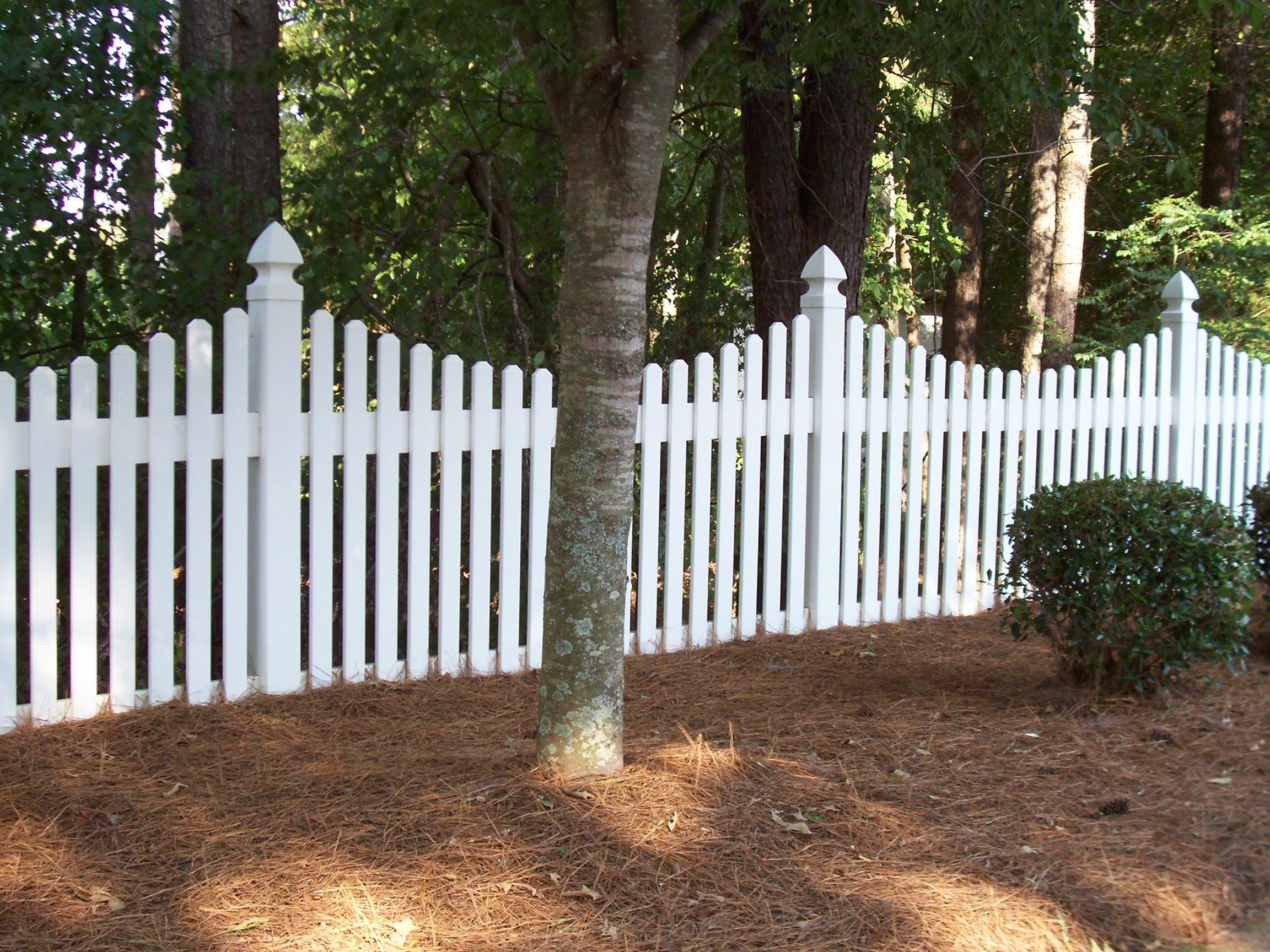 Monroe saddle cut white vinyl picket fence by mossy oak fence monroe saddle cut white vinyl picket fence by mossy oak fence located in orlando and baanklon Gallery