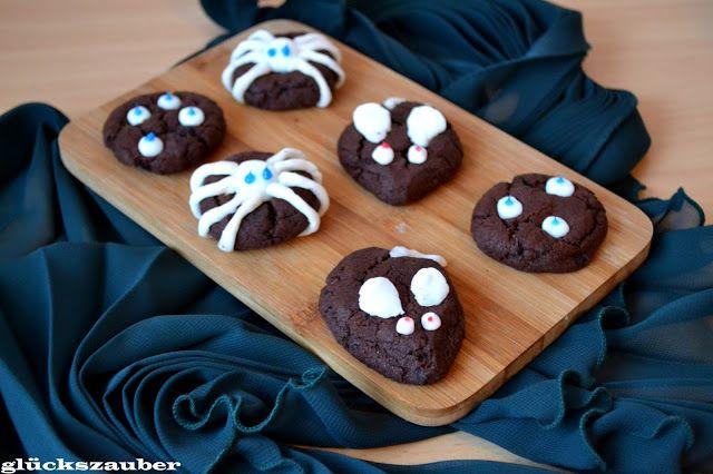 Schoko Cookies mit Gruselmotiven zu Halloween