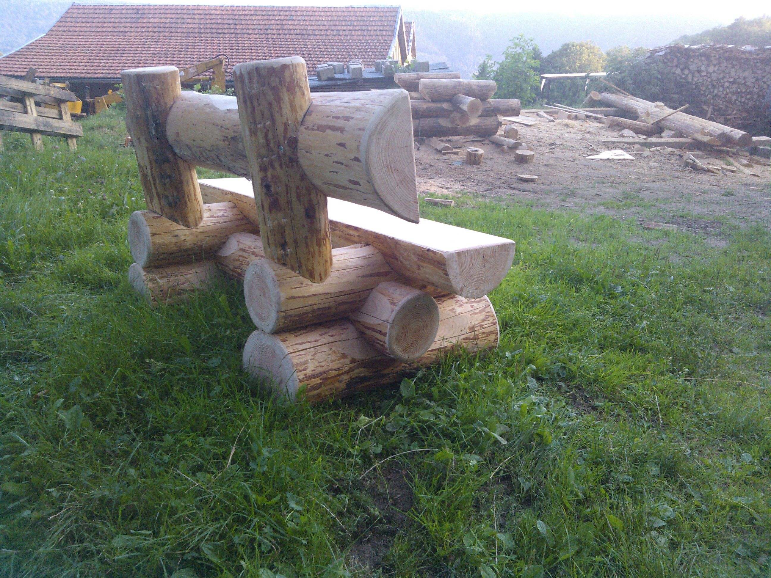 pingl par anonyme dutrain sur jardin pinterest rondin bancs et mobilier. Black Bedroom Furniture Sets. Home Design Ideas