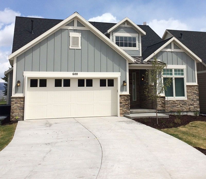 Vertical vinyl siding advanced window products festus for Garage roofing options