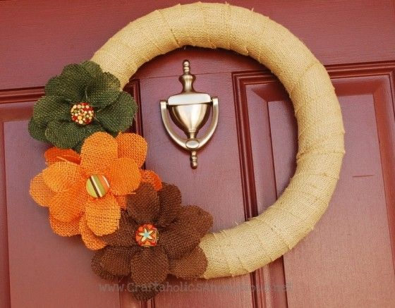 10. Burlap Wreath - 10 Beautiful Burlap Projects ... → Lifestyle