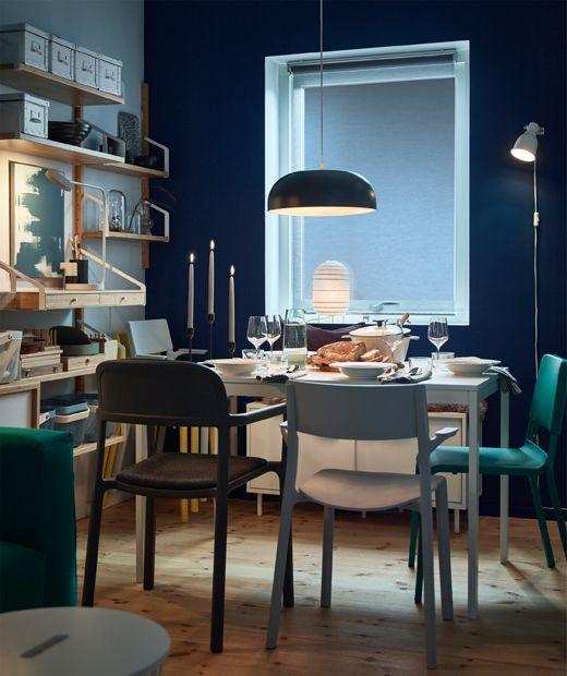 La suspension en acier noire IKEA NYM…NE et la lanterne en papier