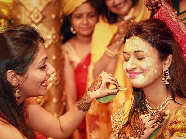 Divyanka Tripathi Mehndi Ceremony : A vibrant colorful celebrity wedding get inspired from divyanka