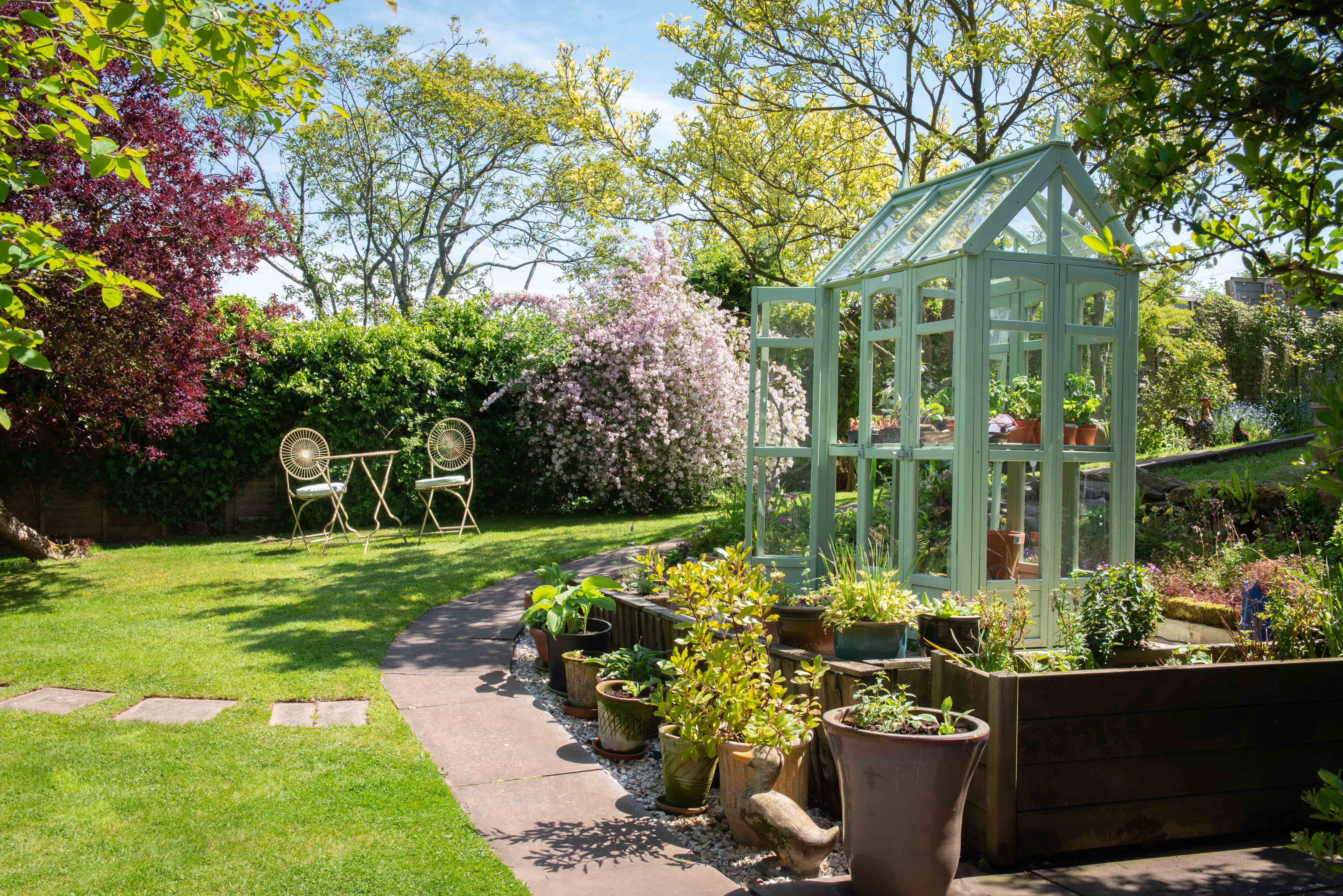 Victorian Walkaround Greenhouse (With images) | Greenhouse ...