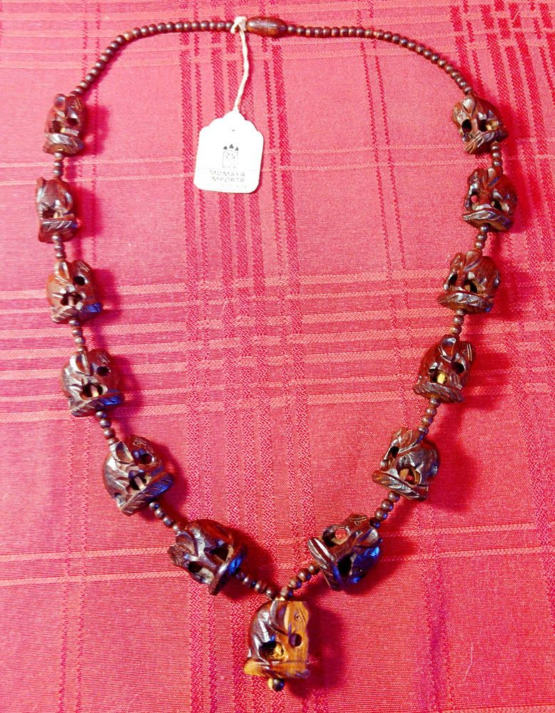 bf5dbd0e6 Vintage Carved Red Sandalwood Elephant Beaded Necklace India 27.5