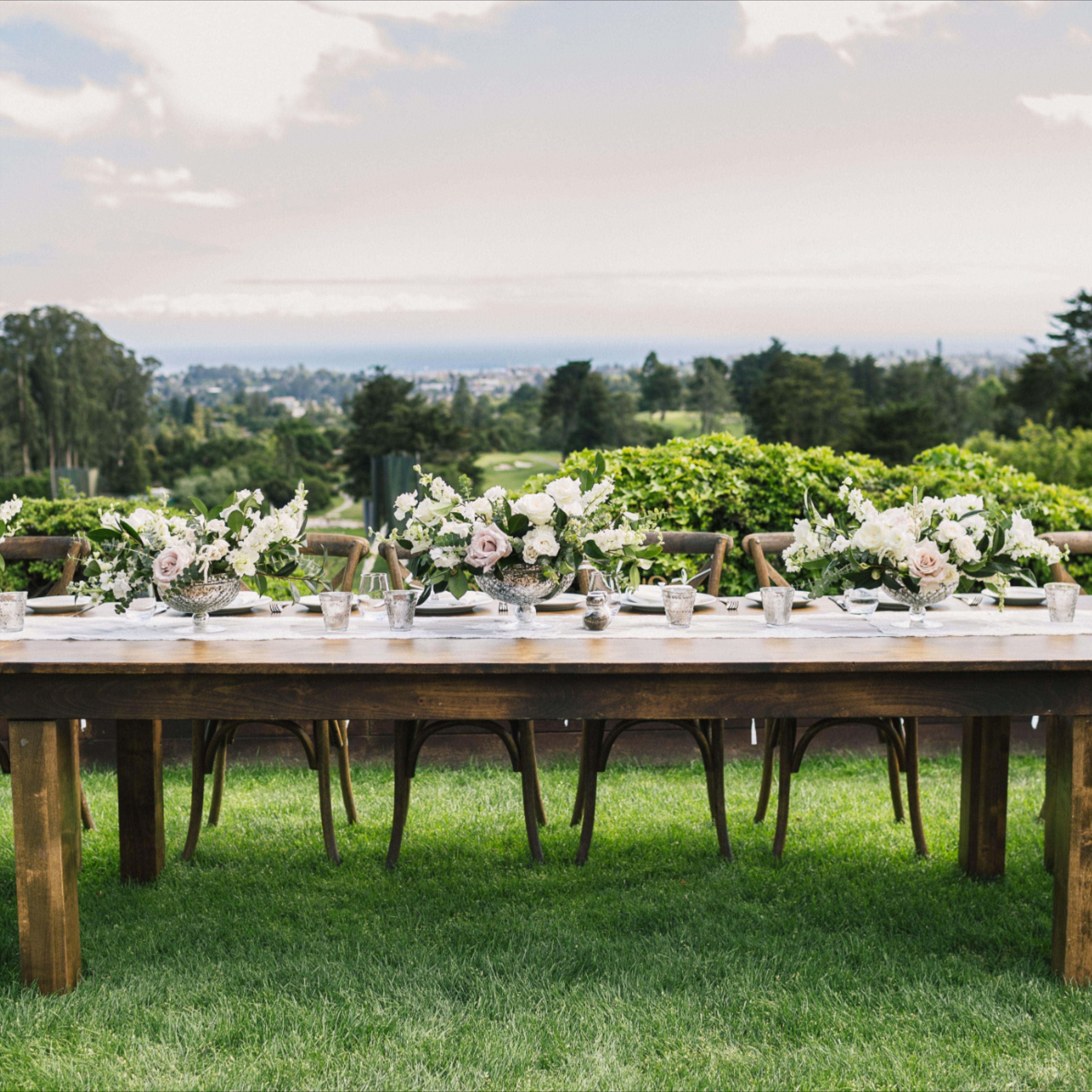 #weddingpartytable #woodentable #farmtable #headtable  Photo: Still Musician Florals: Paeonina Rentals: Williams Party Rentals