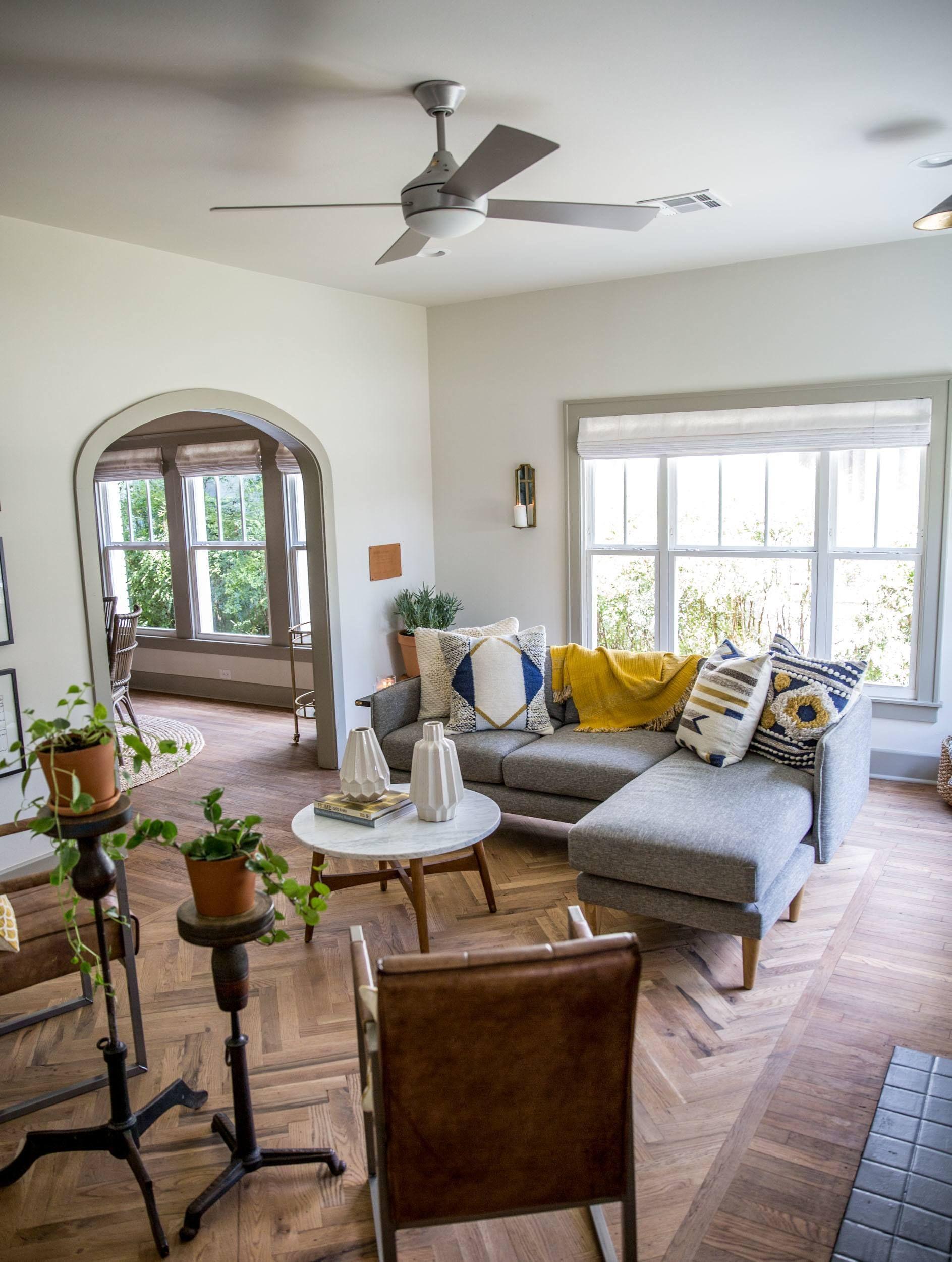 Episode 15 The Giraffe House Fixer Upper Living Room Joanna
