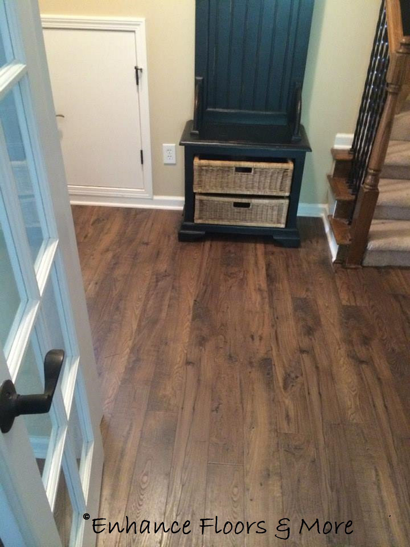 Mohawk flooring bayview laminate toasted chestnut our for Mohawk flooring