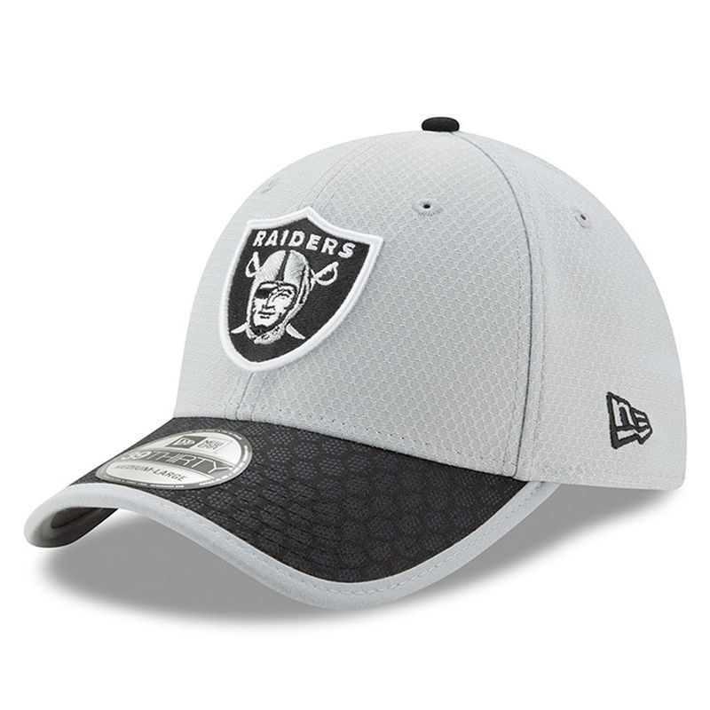 Oakland Raiders New Era 2017 Sideline 39THIRTY Flex Hat - Gray ... 99939d90d34b