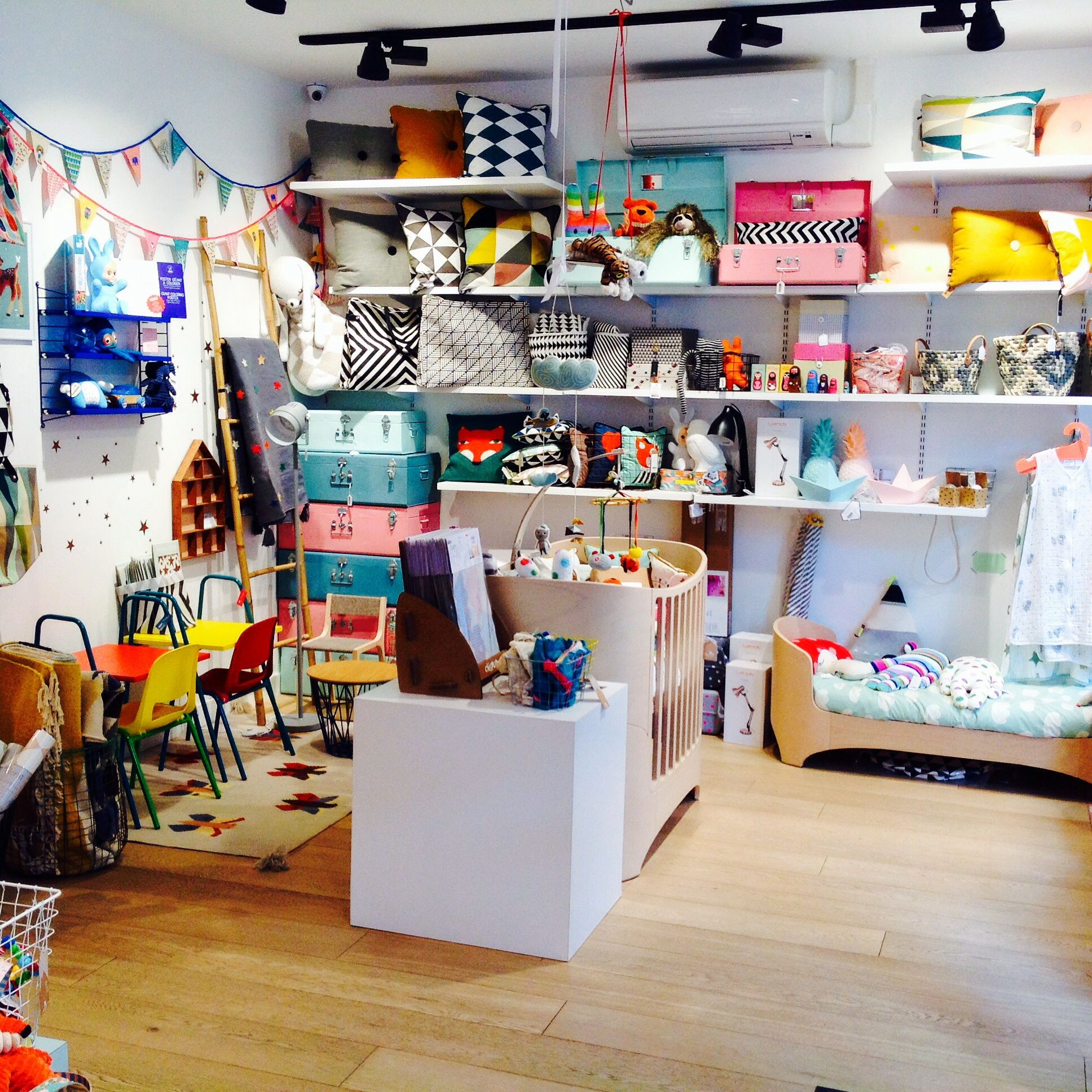 Boutique Mombini kids concept shop cafe and playspace in France