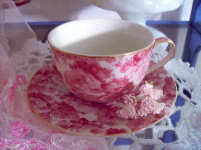 Pink Cabbage Roses tea cup