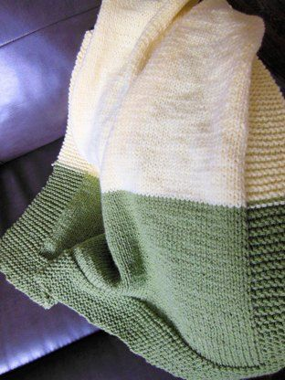 acef5dade711 A super cozy double knit baby blanket! A great pattern for the ...