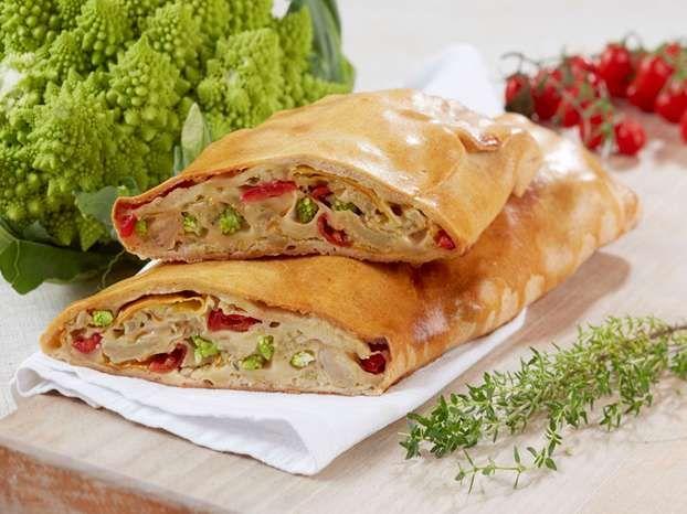 strudel salato con broccolo romano e scamorza affumicata | alice ... - Cucina E Nobiltà Ricette