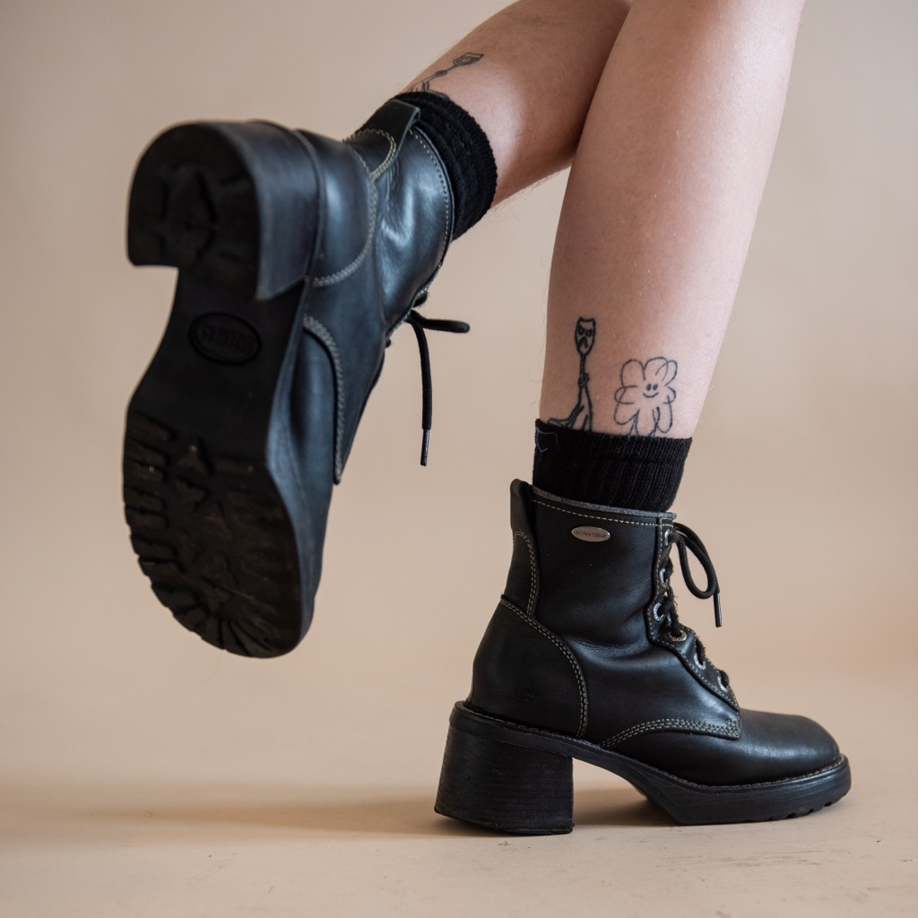 90s grunge boots black leather ankle booys  chunky heeled boots vintage 90s ankle boots grunge boots  MIA ankle booys
