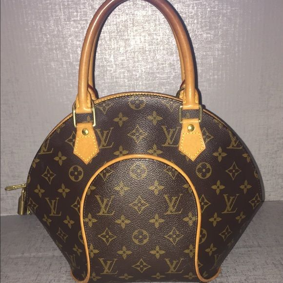 Authentic Louis Vuitton Ellipse Monogram Canvas Gorgeous preowned LV Ellipse. 100% authentic. Louis Vuitton Bags Satchels