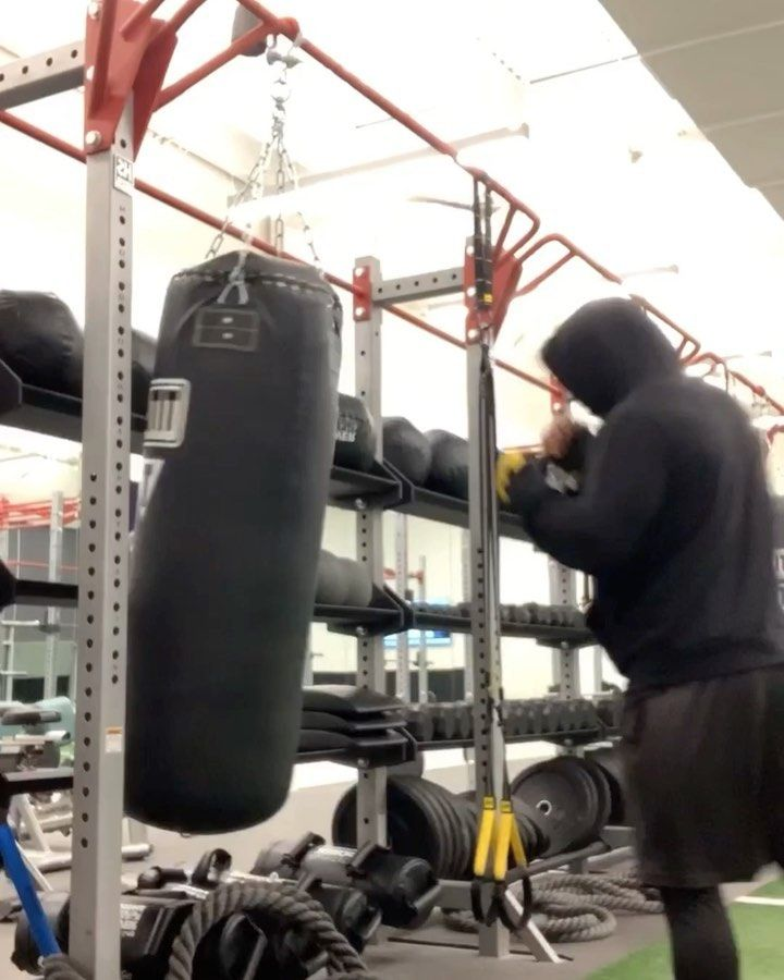 Time to get back to hitting the bag and conditioning for next year. Anyone know any good boxing gyms...