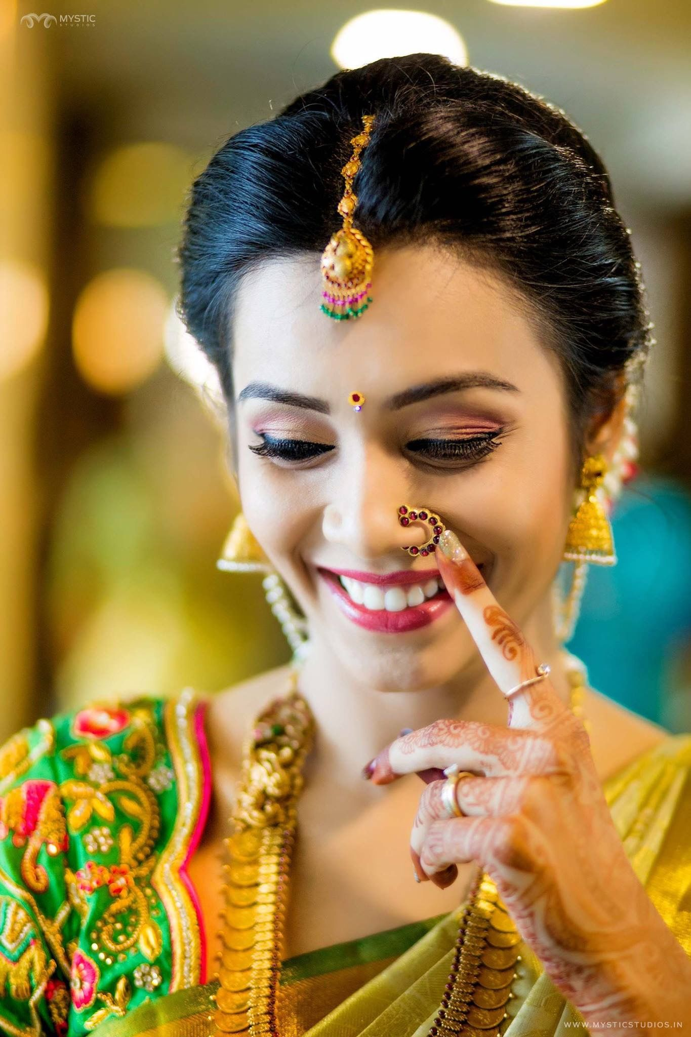 About nath nose ring mukku pudaka on pinterest jewellery gold nose - Elegant Saree Wedding Hairdos Bridal Outfits Nose Rings Blouse Patterns Bridal Jewellery Bridal Makeup Silk Sarees Jewellery Designs